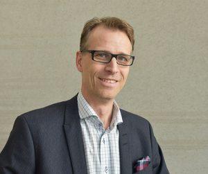 """Frans Prenkert är en av författarna till boken """"E-handel"""". Foto: Örebro Universitet"""